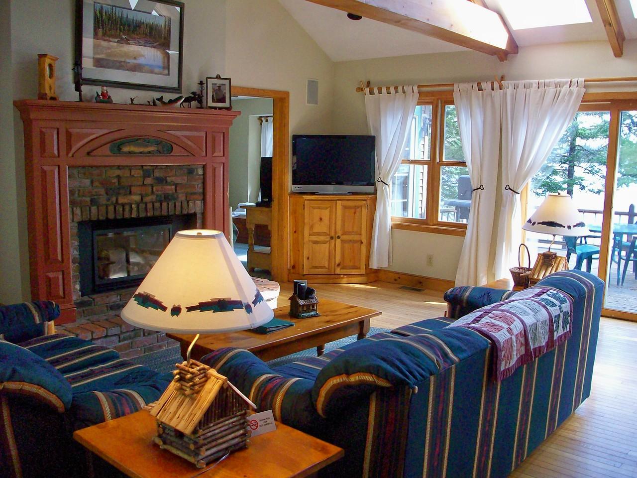 Bess livingroom