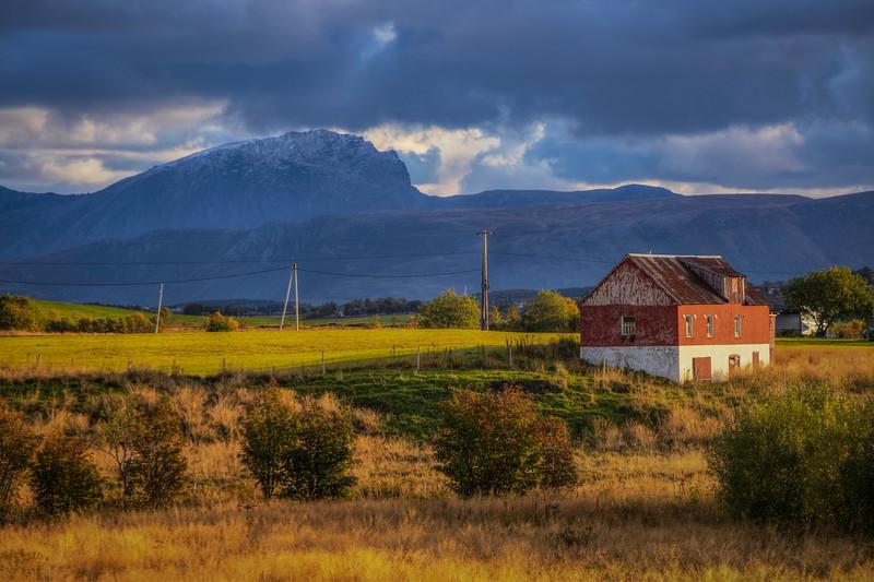 Red And White Barn, Ramberg