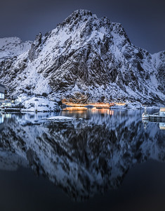 Dark Reflections! - Svolvær, Lofoten, Norway