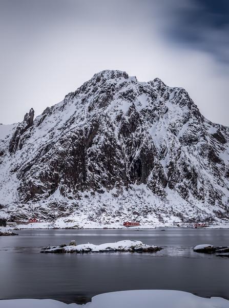 A dash of colour! - Fløyfjellet, Lofoten