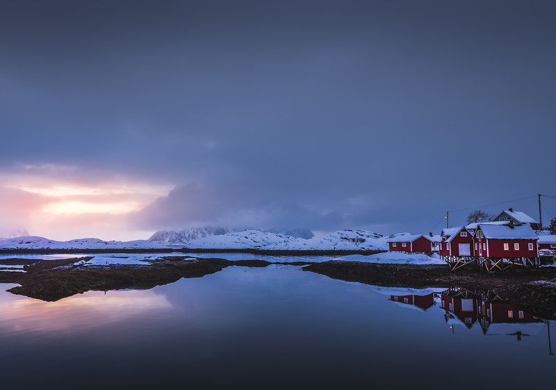 Wee hole in the clouds - Lofoten