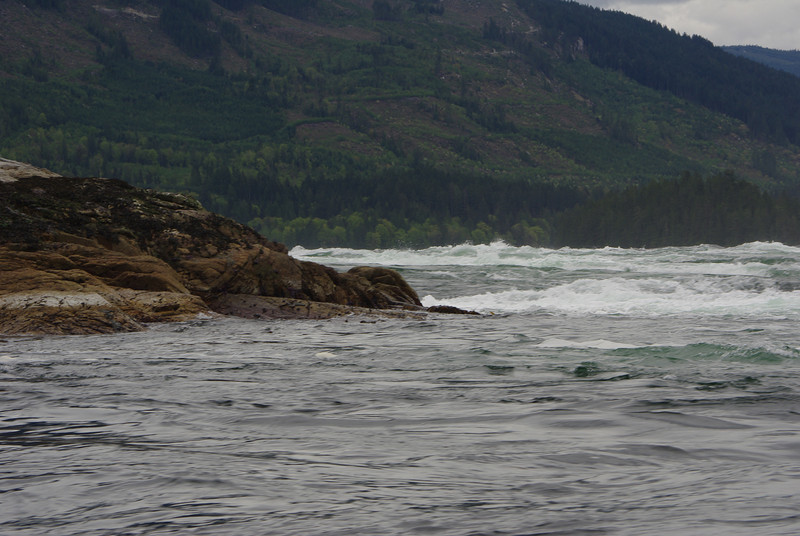 Near maximum ebb flow in Sechelt Rapids, eastern end of the Skookumchuck Narrows.