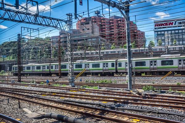 Tokyo (Narita Express) - Trains and buildings