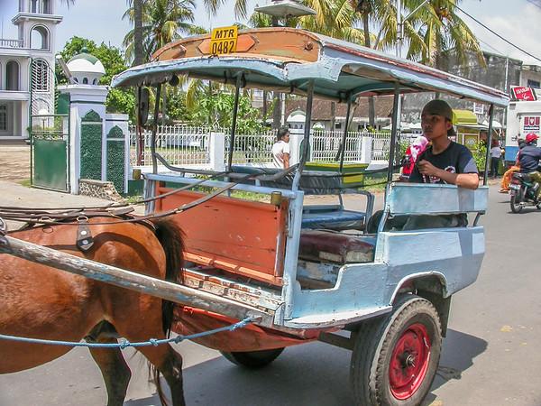 Day trip to Mataran & Sengiggi, Lombok