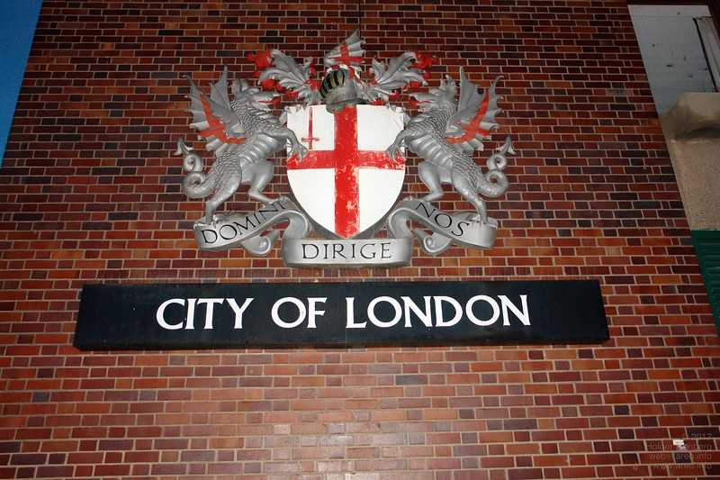 Coat of arms of the Corporation of the City of London. Elected local government and free global trade since the Roman period.