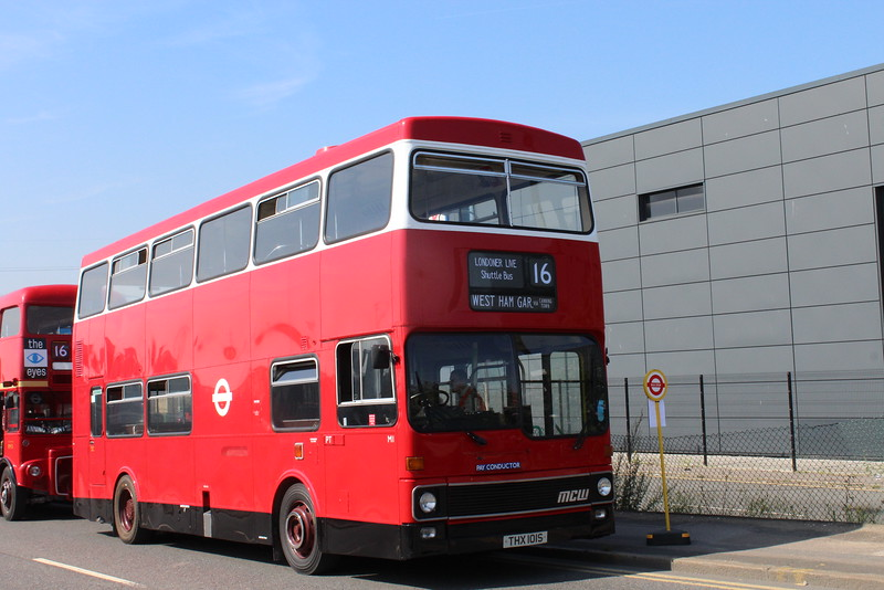 Londonor Live Shuttle Bus Service - Lawrence Living