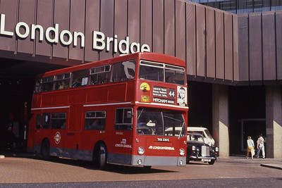 London Buses DM2330 London Bridge Station Sep 90