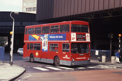 London Buses DM2350 London Bridge Station Sep 90