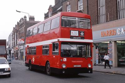 London Buses D1828 Ballards Lane Finchley London Sep 88
