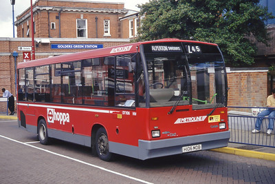London Buses DT106 Golders Green Bus Station London Sep 94