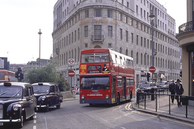London Buses DMS2292 Duncannon Street LOndon May 89