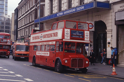 London Buses ERM84 VIctoria Street London Sep 90
