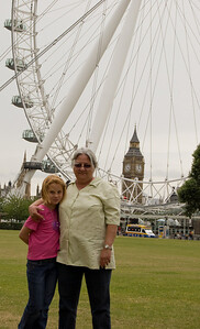 Mum, Sam, The London Eye & Big Ben (2)