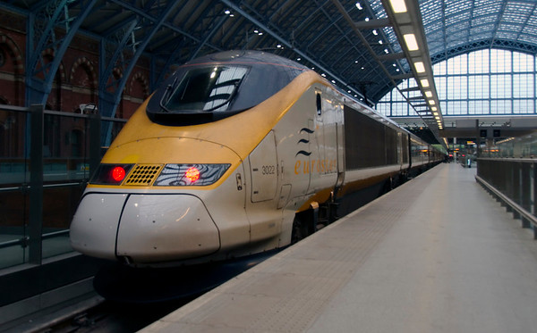 373022, London St Pancras, Sat 16 May 2009 - 0645.   The 4000 km trip to Istanbul begins with Eurostar 9110, the 0659 to Lille Europe (267 km, reached on time at 0924).