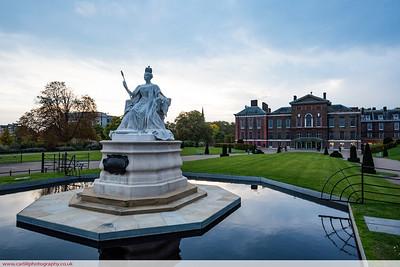 Kennsington Palace at dusk