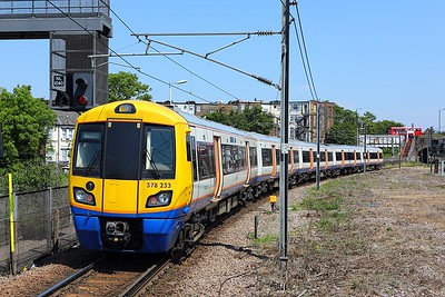 378233 Willesden Junction