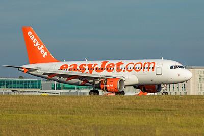easyJet Airbus A319-111 G-EZBX 9-14-19 2