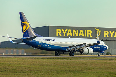 Ryanair Boeing 737-8AS  EI-DCL 9-14-19 4