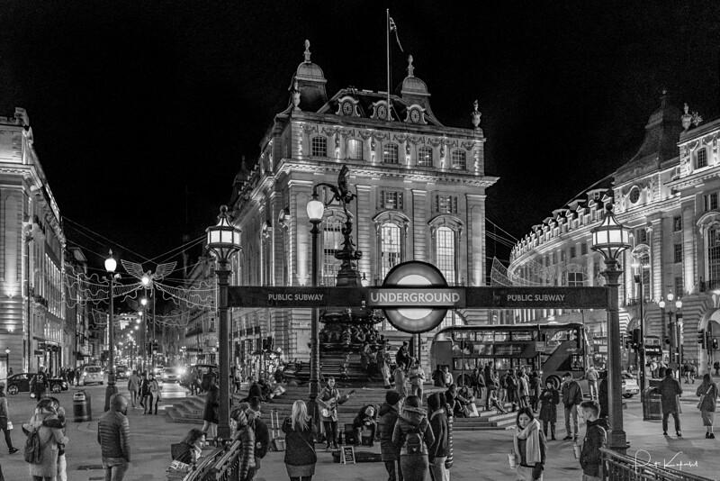 Underground – Picadilly Curcus, London
