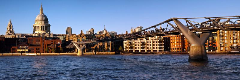 London- St Pauls and the Millenium Bridge