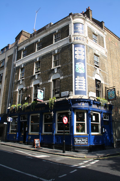 The Hand & Racquet pub
