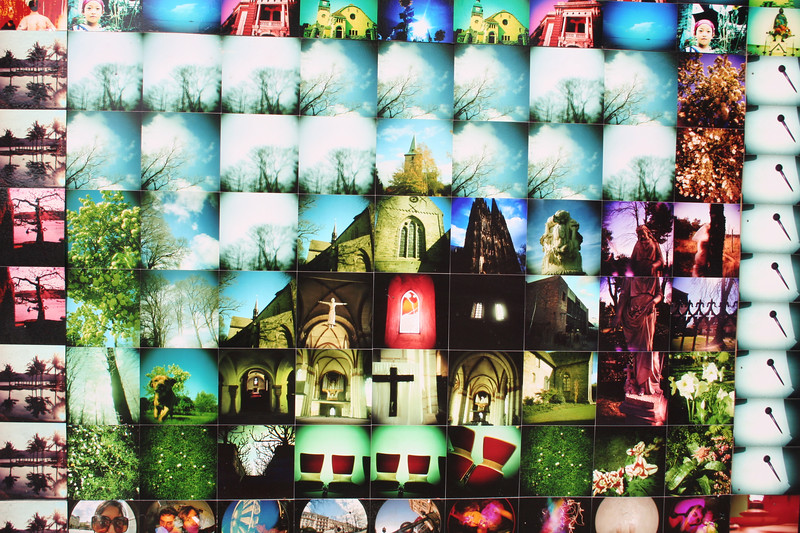 The LomoWorldWall