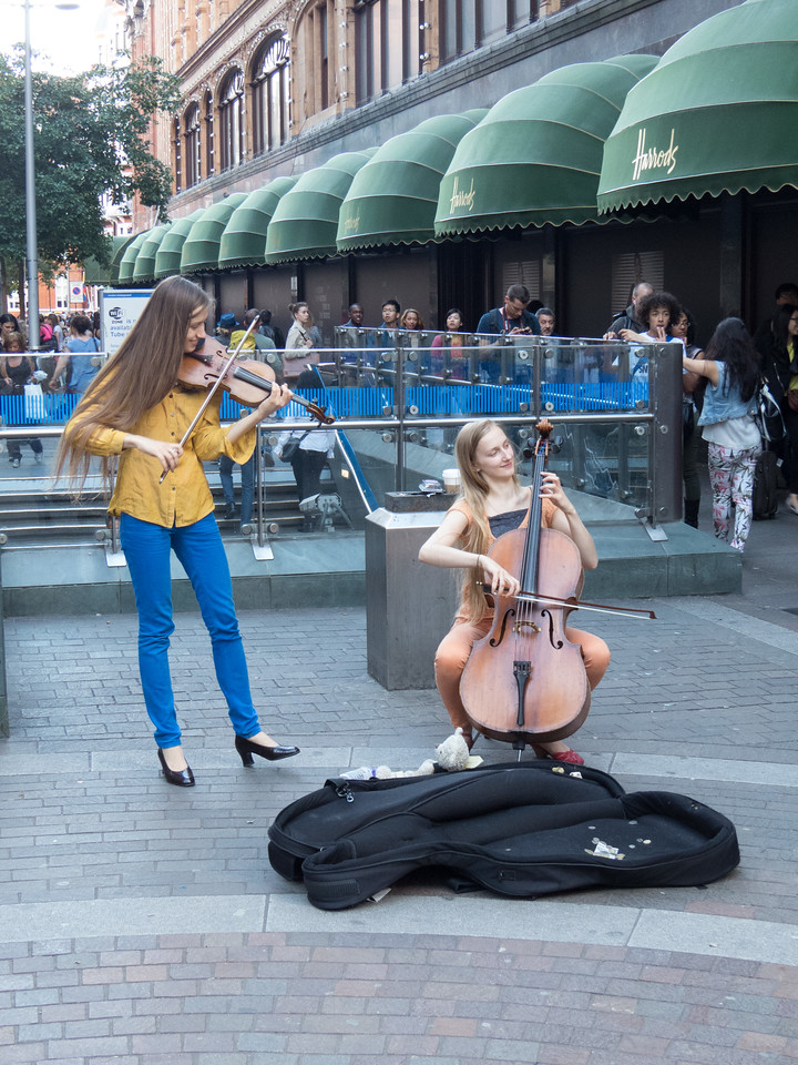 Classical buskers outside Harrods