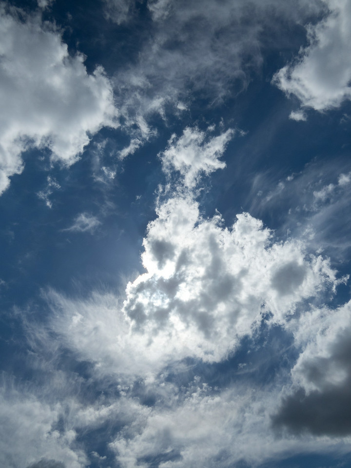 Relaxing clouds