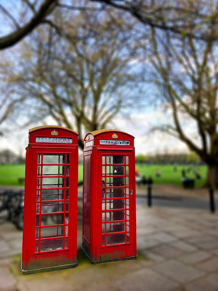Red Telephone Boxes. 2017.