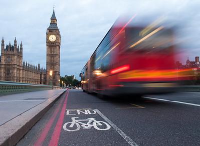 Bendy bus and bike lane on Westminster Bridge