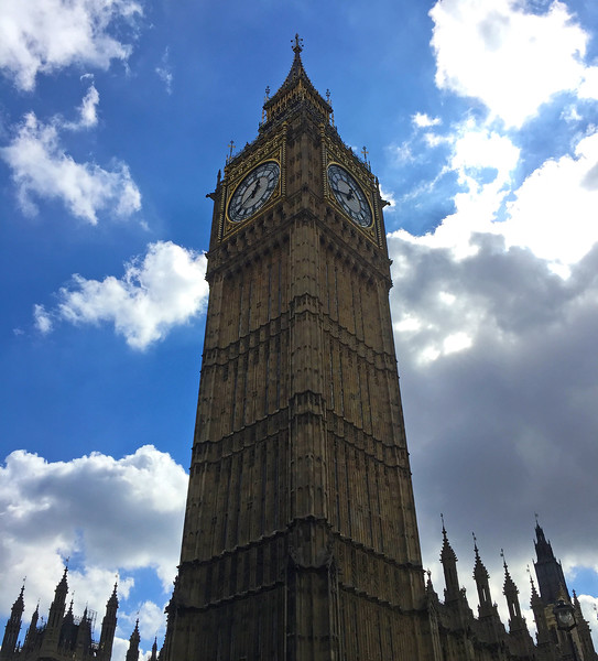 Elizabeth Tower and Big Ben. 2017.