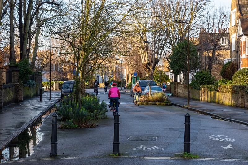 Quietway 2 cycleway in De Beauvoir Town