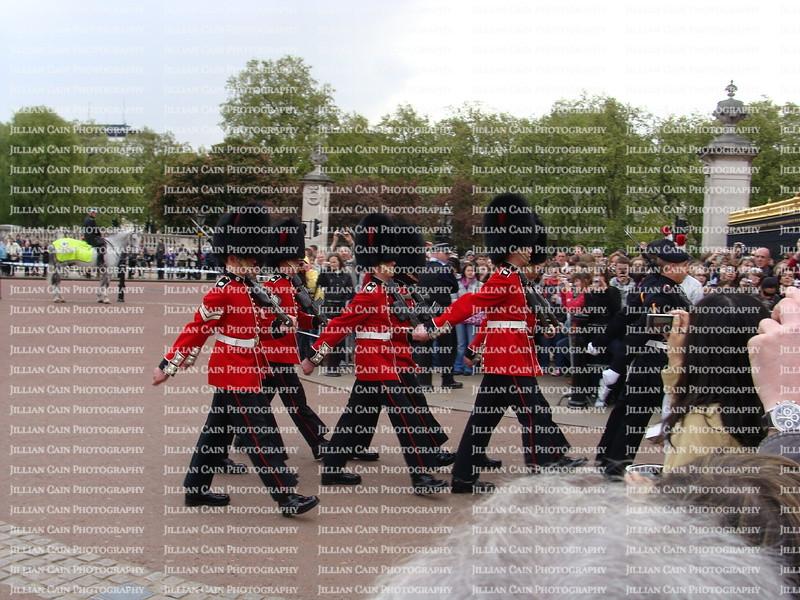 Buckingham Palace marching guards