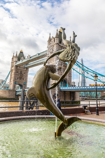 David Wynne's 'Girl with a Dolphin'