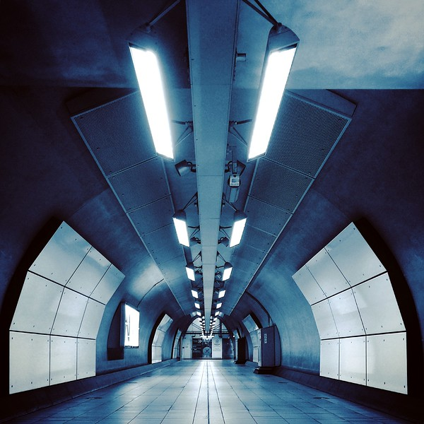 Heathrow Express Pedestrian Tunnel. 2016.