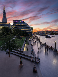 Sunset on the Thames Path at City Hall