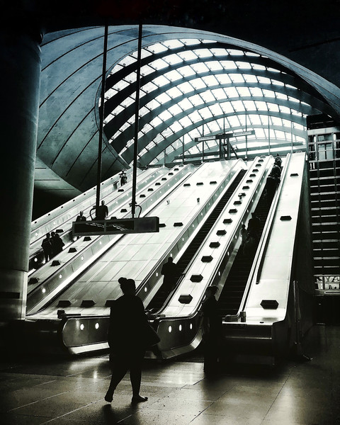 Canary Wharf Tube Station. 2017.