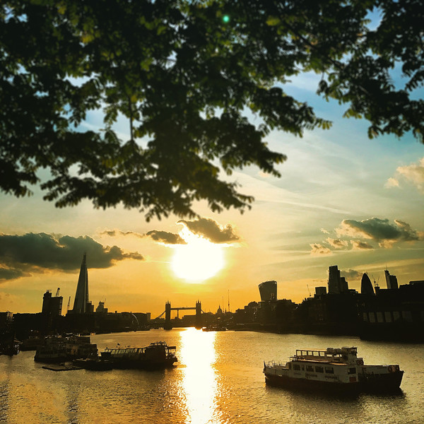Sunset on the Thames. 2017.