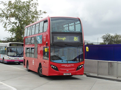 ADE8 - YX12FNO - Slough (bus station) - 16.8.12