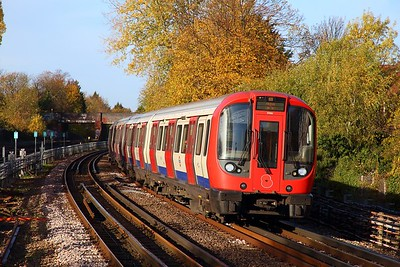S Stock 21061 working a southbound Metropolitan line train to Aldgate at Kilburn on the 8th November 2018