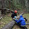 Nols WFR refresher sweden 2018 - pt leaning on log