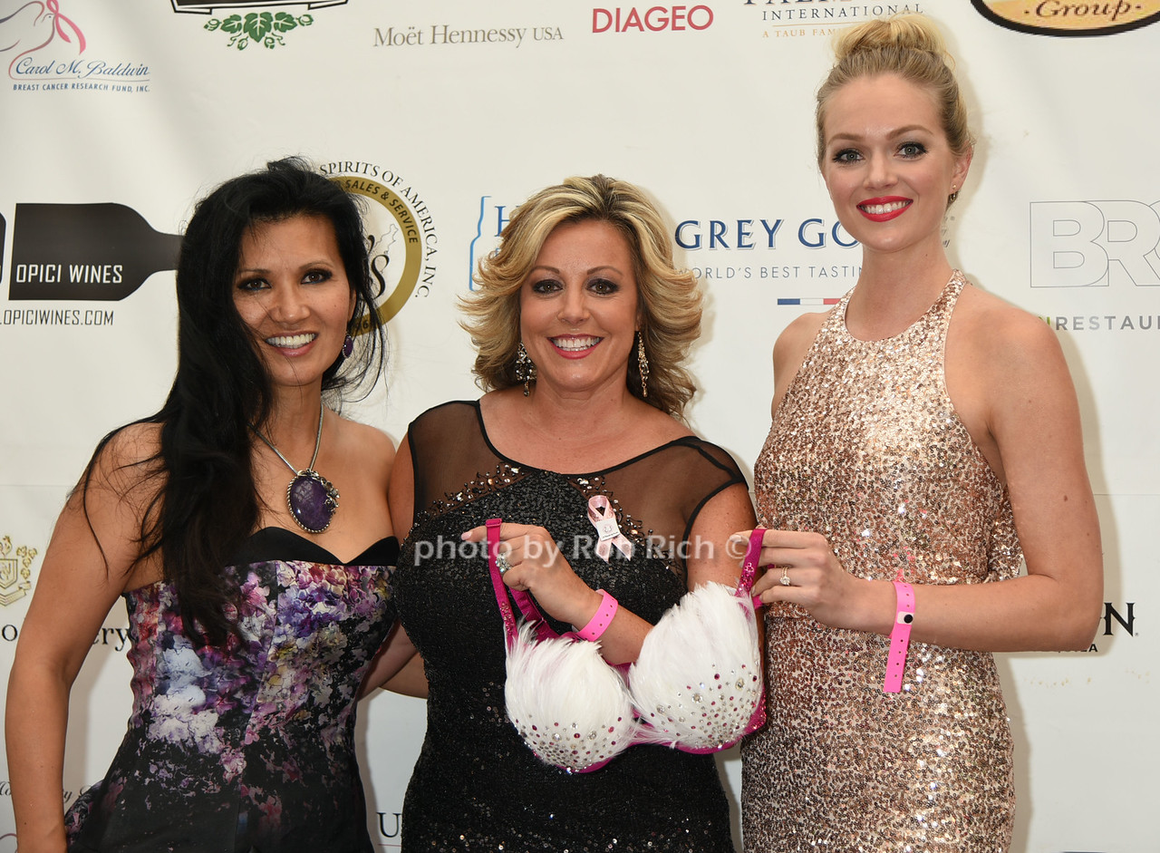 Asia Lee, Christine Guarino( A World of Pink), and Lindsay Ellingson (Victoria Secret Model)