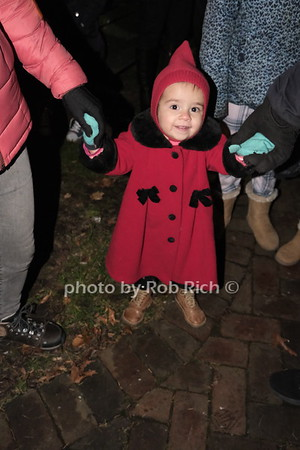 2019 Holiday Tree & Menorah Lighting in Sea Cliff on 12-8-19. all photos by Rob Rich/SocietyAllure.com ©2019 robrich101@gmail.com 516-676-3939