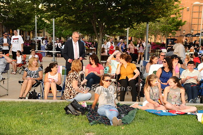 crowd photo by Rob Rich/SocietyAllure.com © 2016 robwayne1@aol.com 516-676-3939