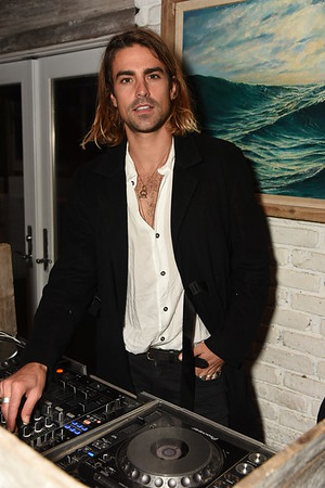 DJ Oli Benz photo by Rob Rich/SocietyAllure.com ©2017 robrich101@gmail.com 516-676-3939