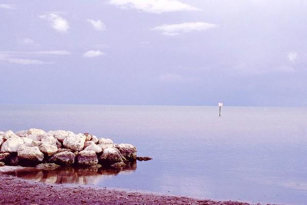 A calm evening at Smathers Beach, Key West