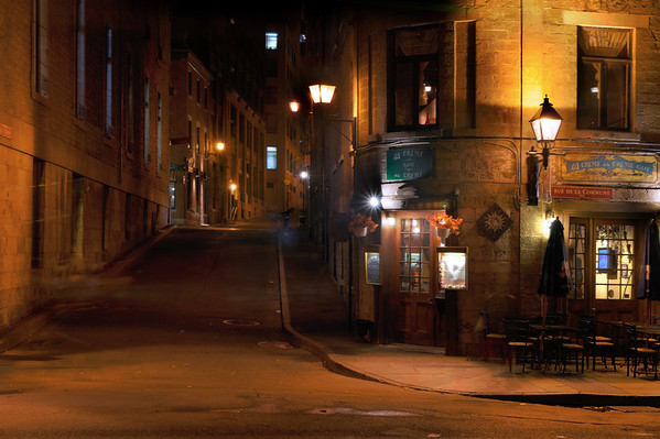 The old part of town looks very charming at night as well.