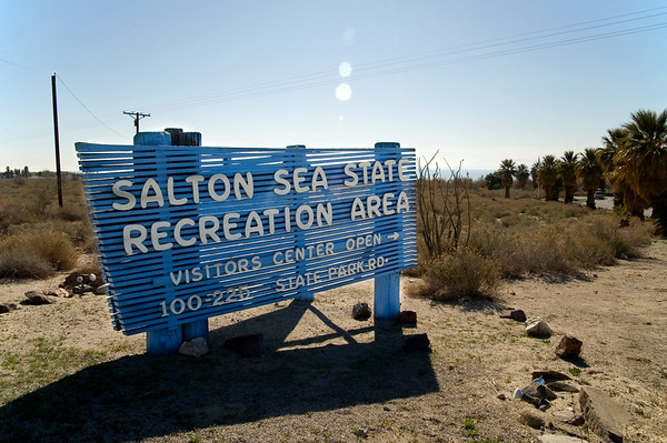 Entering the Salton Sea State Recreation Area, sort of a small State Park at the Eastern end.  They actually charge here during the winter months and there's a Visitor's Center complete with books, t-shirts and maps.  Everyone was very friendly and I didn't have to pay because I only wanted to take a few pics and browse the literature.