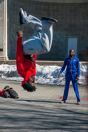 Street performers in Central Park on a late winter day