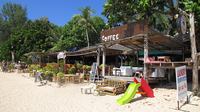 Suza Hut Coffee Shop on Long Becah Koh Lanta